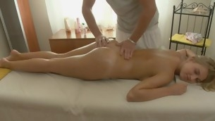 Darling gives complying oral sex after getting oil massage